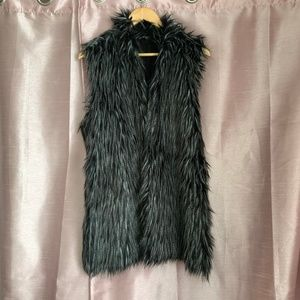 Furry sweater vest by Adrianna Papell EUC 2X